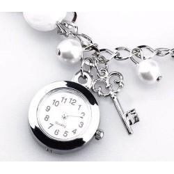 Reloj Mujer Tipo Pulsera Dijes Y Perlas Elegante